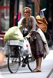 Uma Therman as bag lady